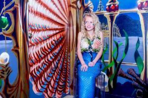 Austin Aquarium visit with Mermaids!